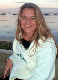 Dr Amanda Reichelt-Brushett